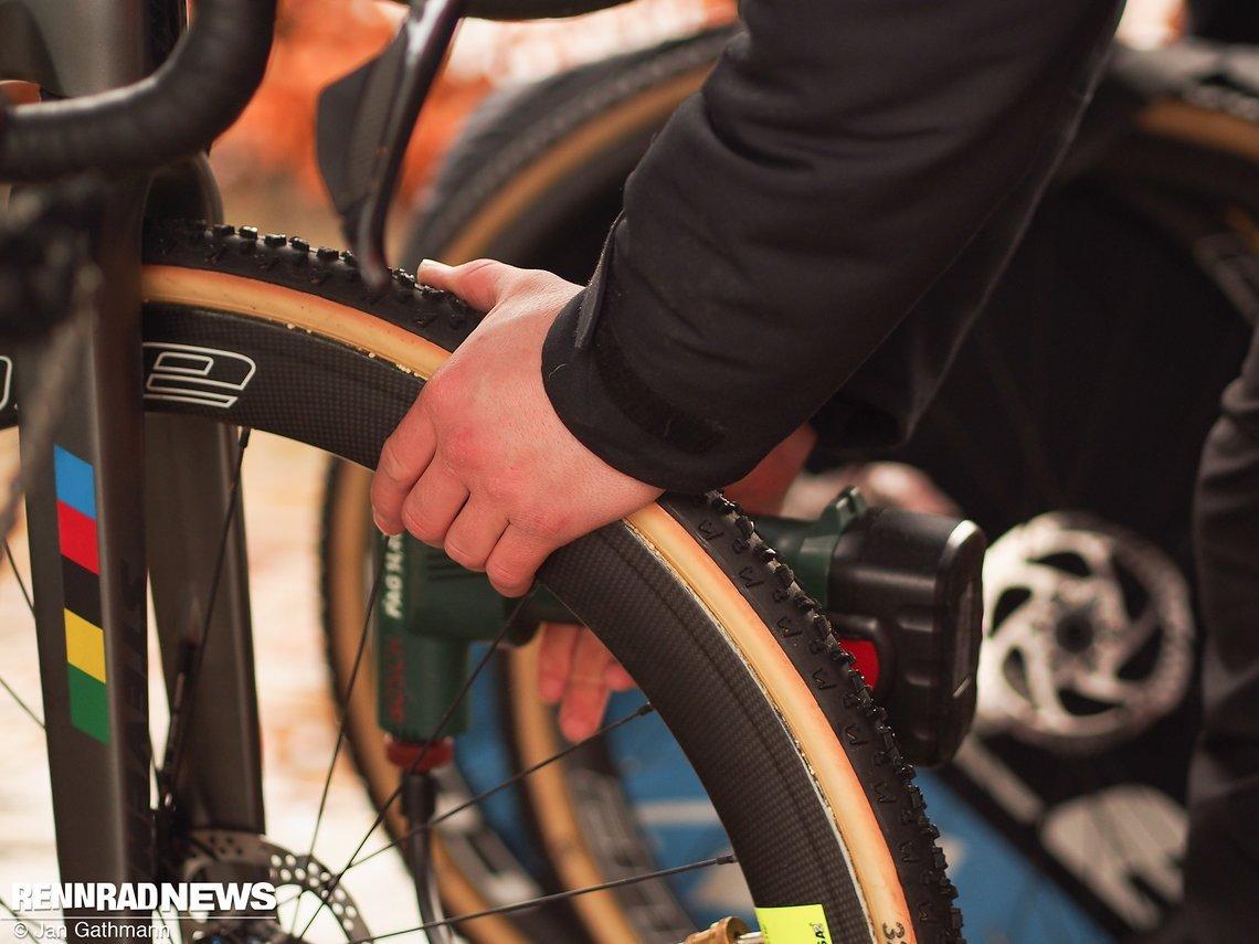 Im Fahrerlager Beim Weltcup Die Cyclocross R 228 Der Der