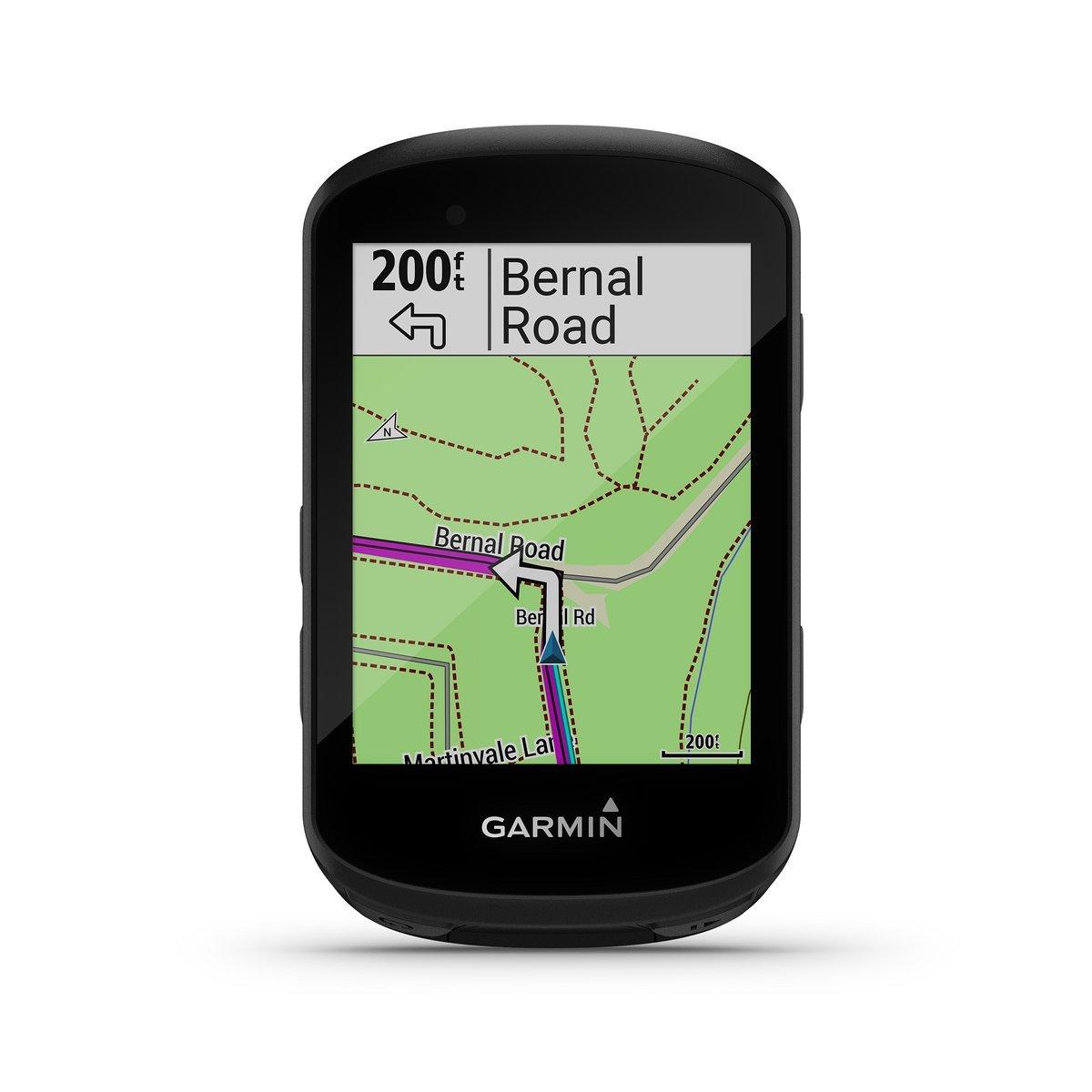 Abbiegehinweise geben 530 und 830 – Routenplanung unterwegs beherrscht nur der 830